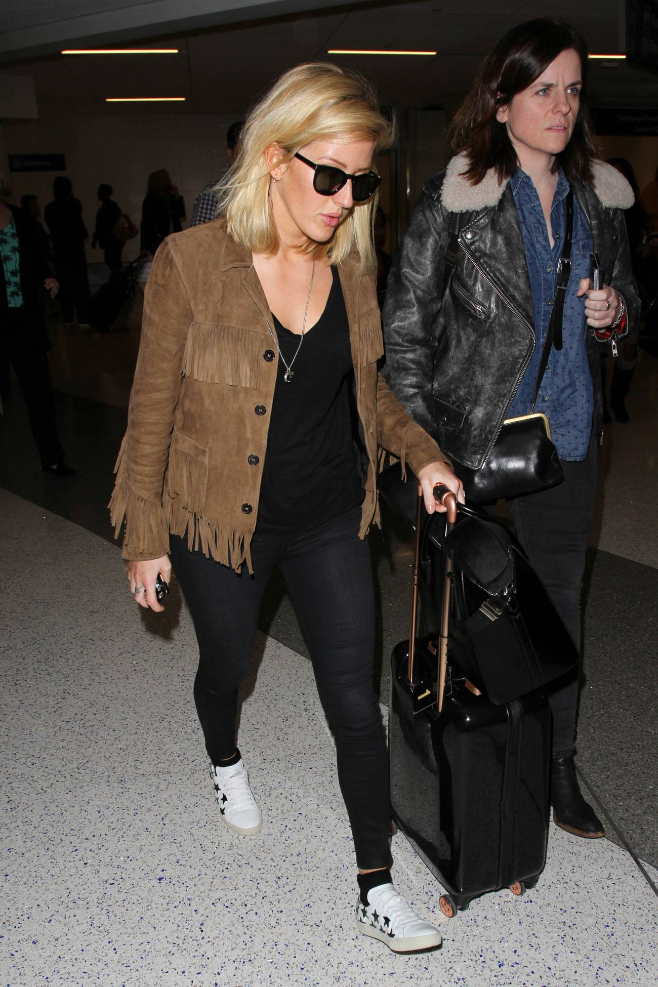 Ellie Goulding arrives at at Los Angeles International Airport-2