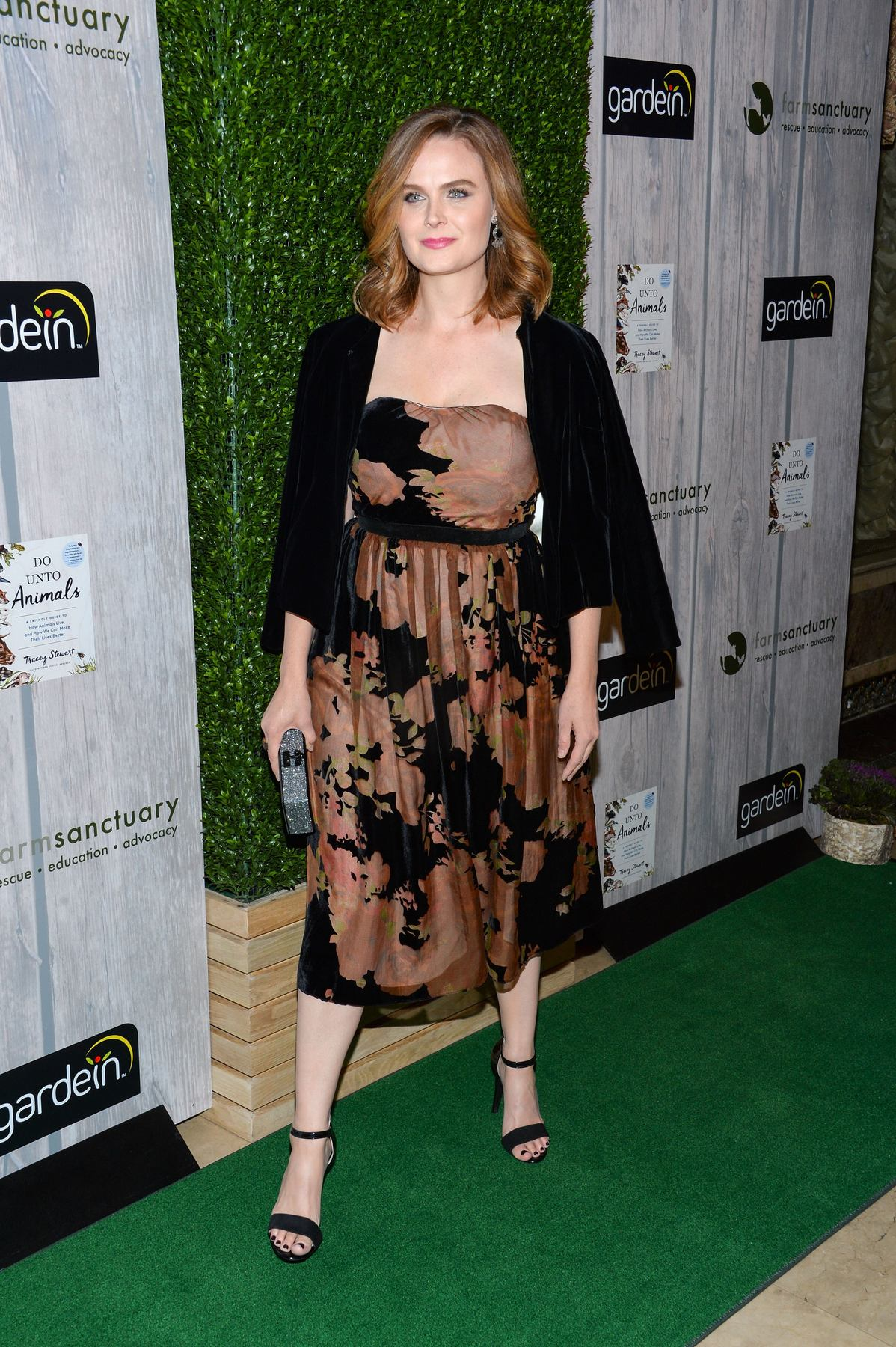 Emily Deschanel at Farm Sanctuary Gala-3