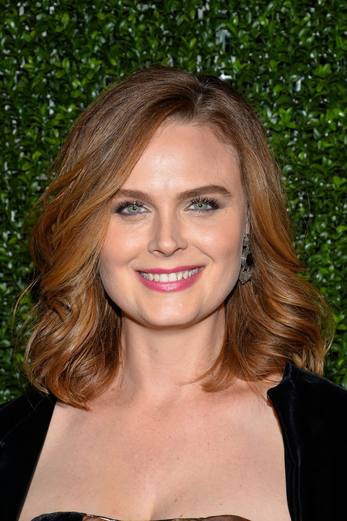 Emily Deschanel at Farm Sanctuary Gala-4