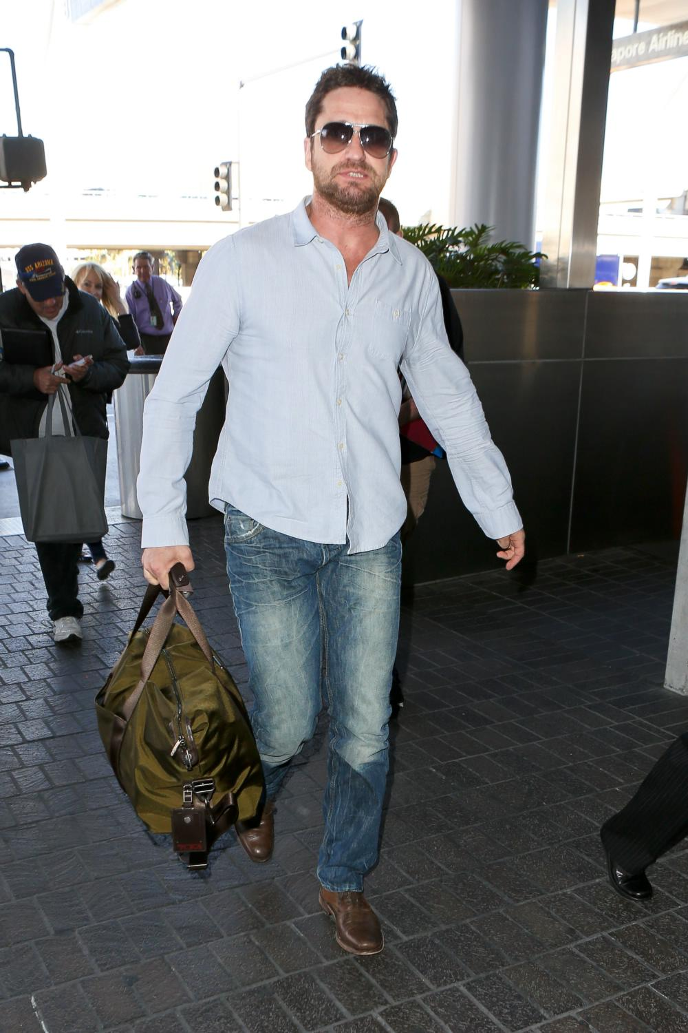 Gerard Butler arrives at LAX Airport-2
