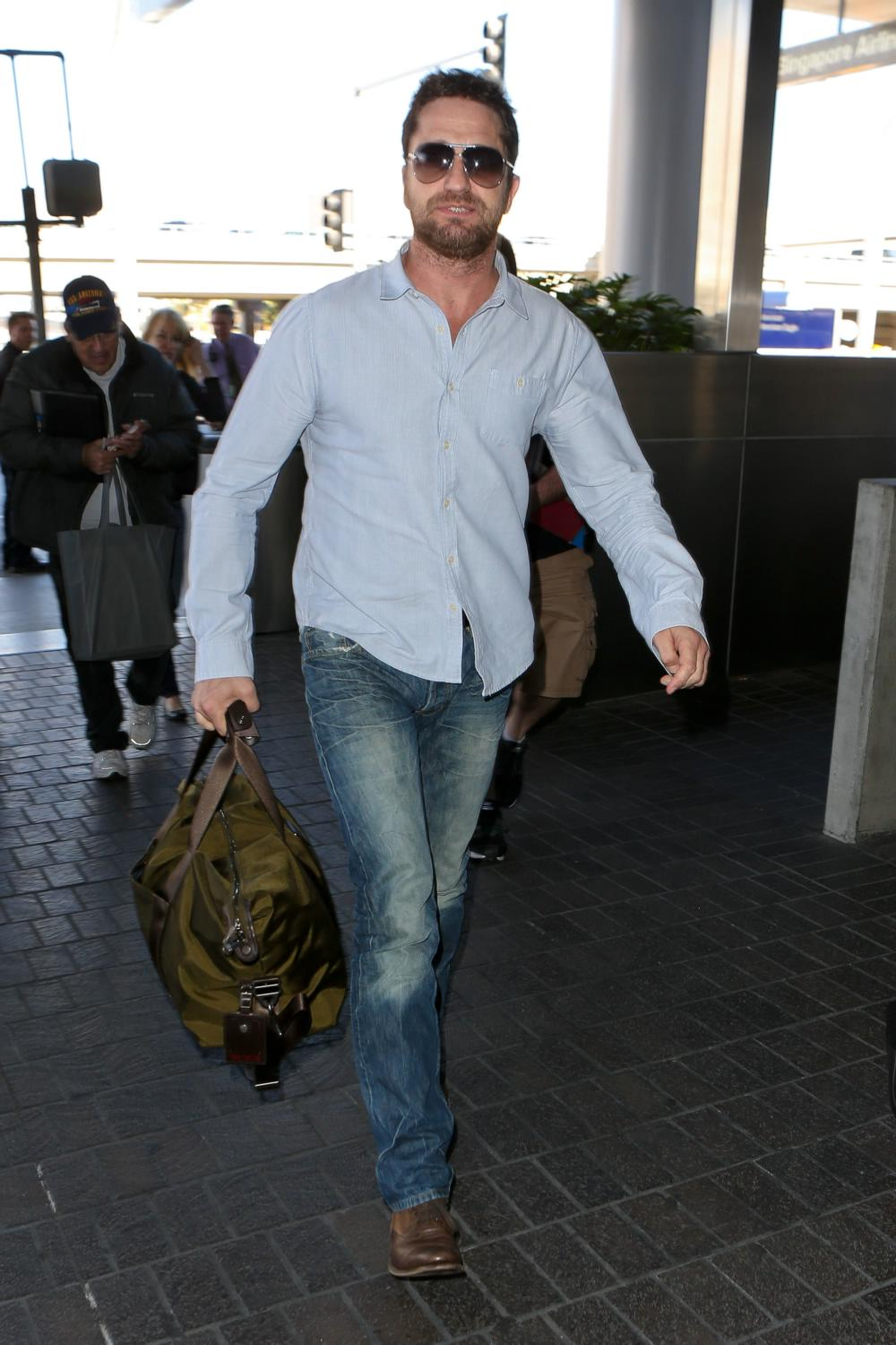 Gerard Butler arrives at LAX Airport-3
