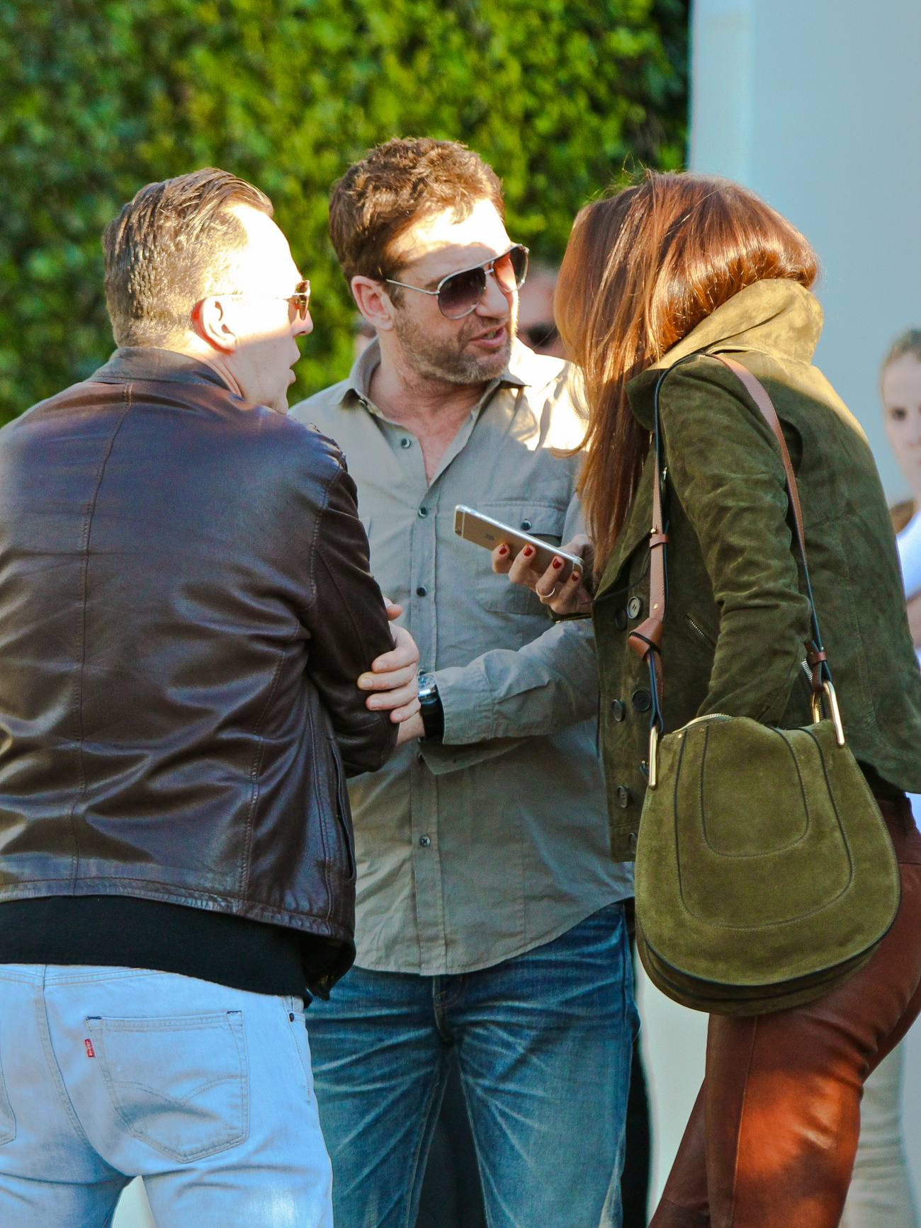 Gerard Butler Out with Girlfriend Morgan Brown at Cecconi-3