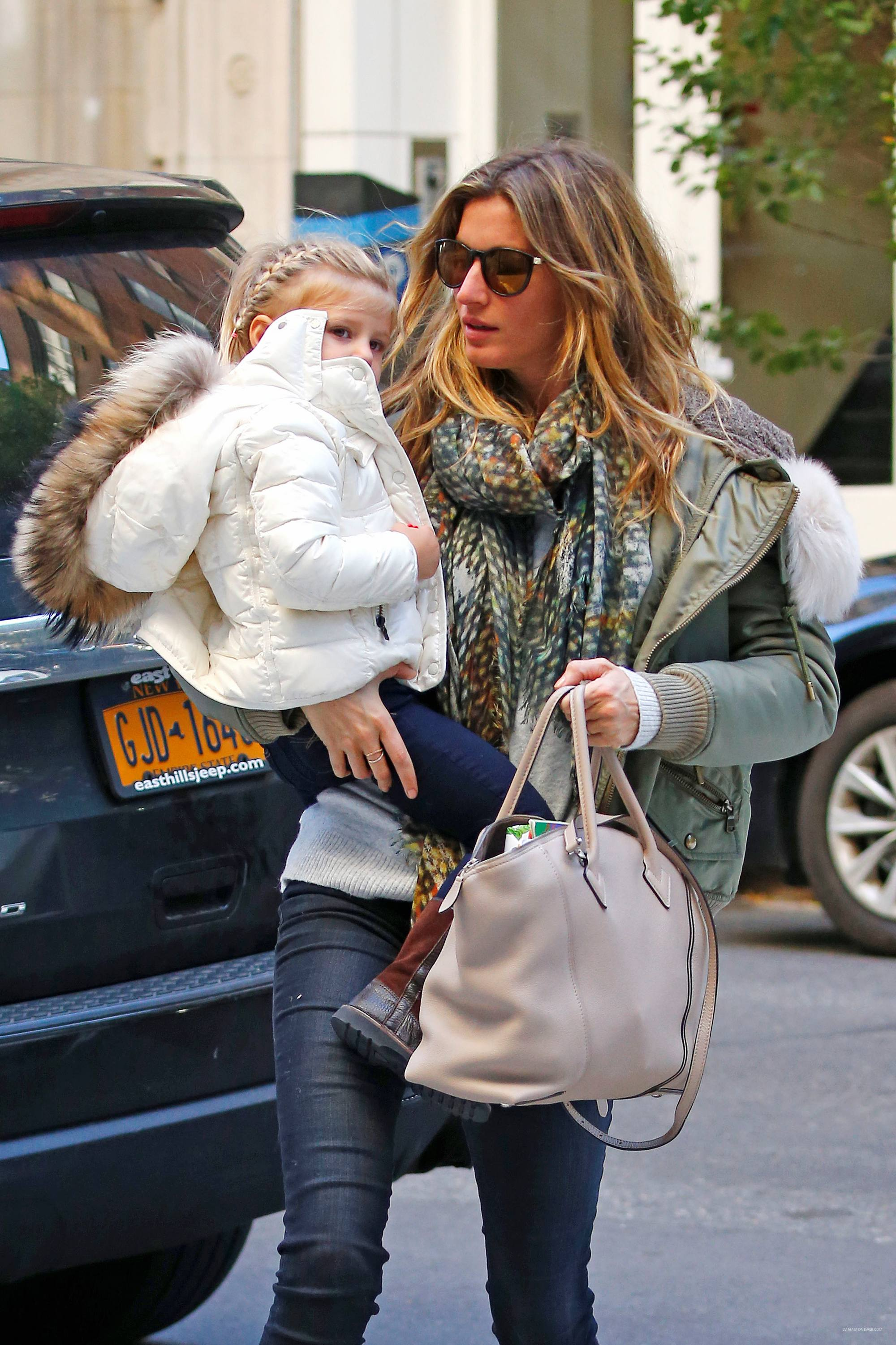 Gisele Bundchen Mommy Duty in NYC-1