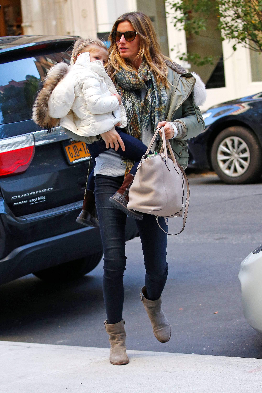 Gisele Bundchen Mommy Duty in NYC-2