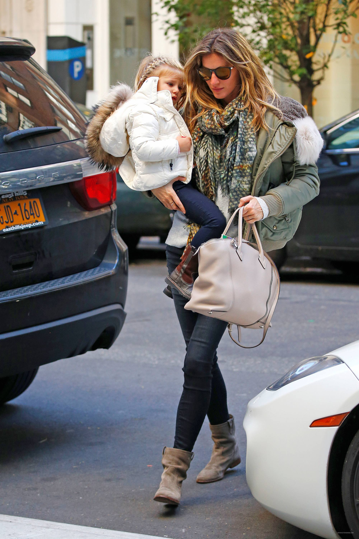 Gisele Bundchen Mommy Duty in NYC-4