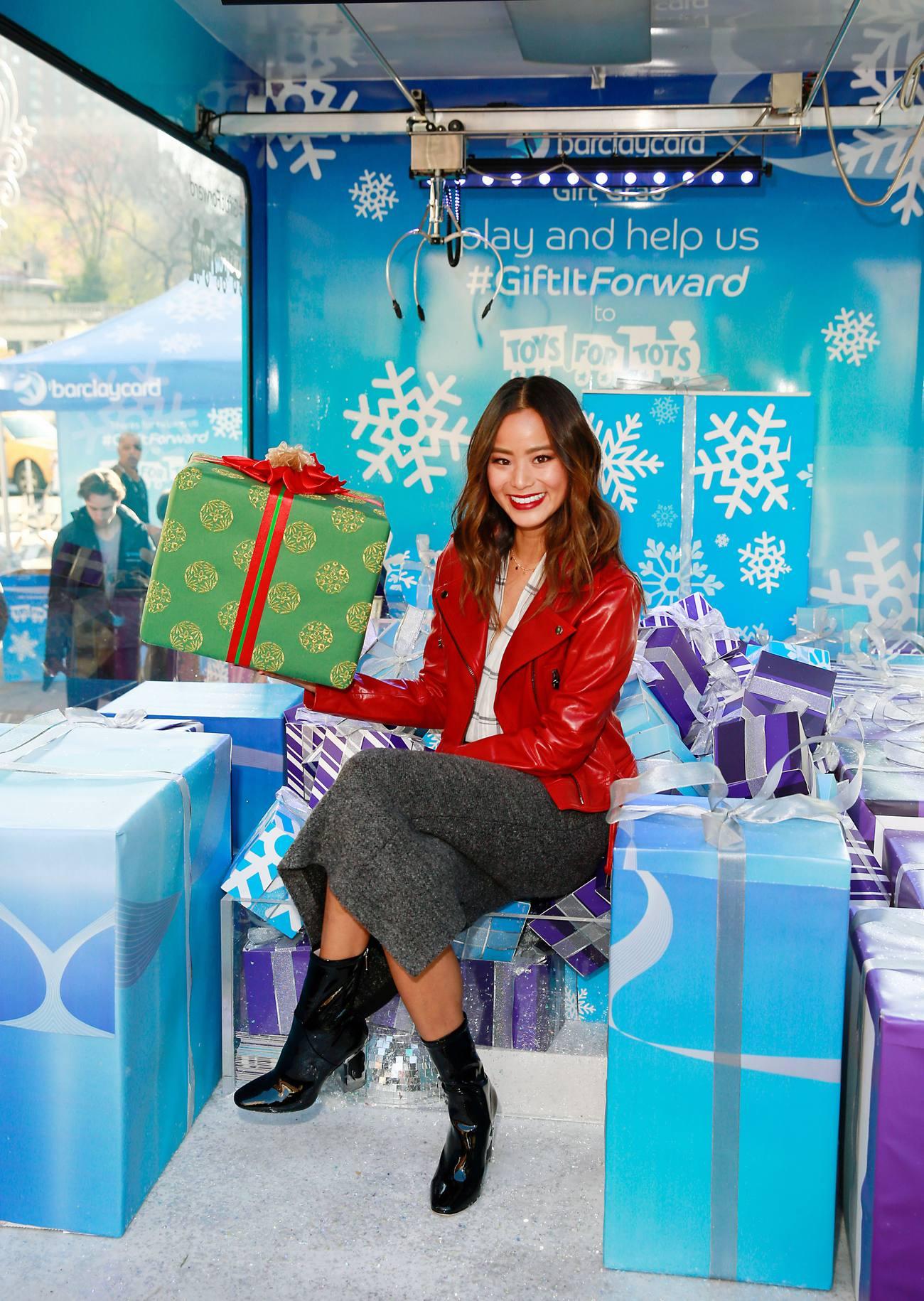 Jamie Chung at Barclaycard Gift Grab-4