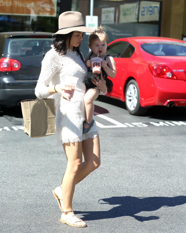 Jenna Dewan Tatum Bring Her Cute Daughter Everly Out For Errands