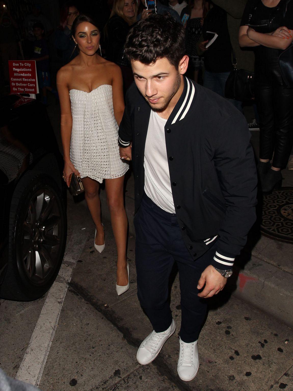 Joe Jonas and Nick Jonas at trendy Craigs Restaurant-1
