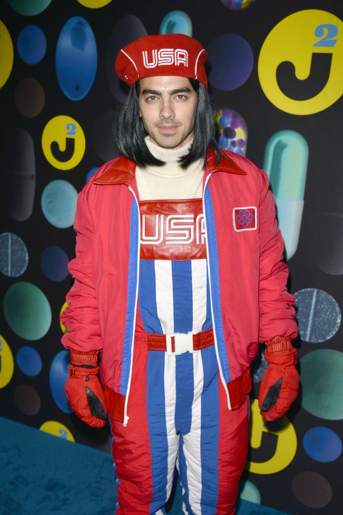 joe jonas arrives at just jareds halloween bash 2 - Joe Jonas Halloween