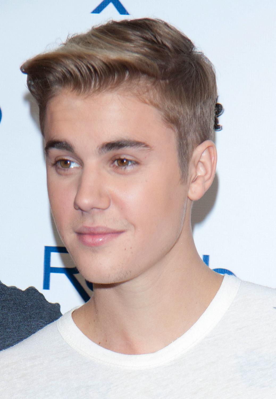 Justin Bieber hosts REHAB Pool Party-4