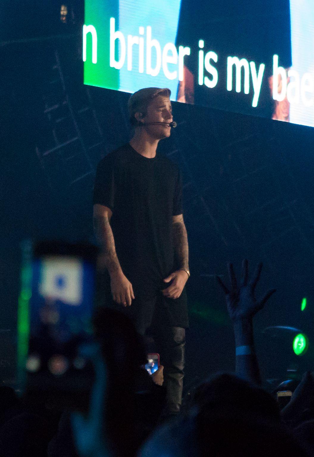 Justin Bieber performs ate KIIS FMs Wango Tango-2