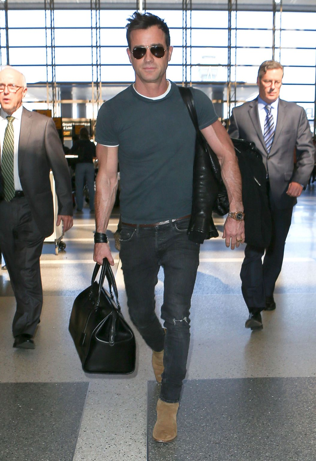 Justin Theroux Leaves LAX airport-2