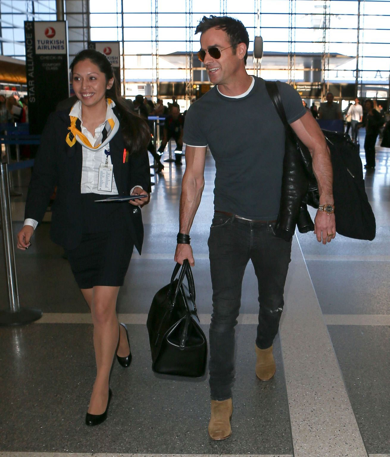 Justin Theroux Leaves LAX airport-4