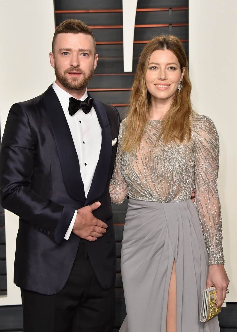 Justin Timberlake and Jessica Biel arrive at Vanity Fair Oscar Party-1