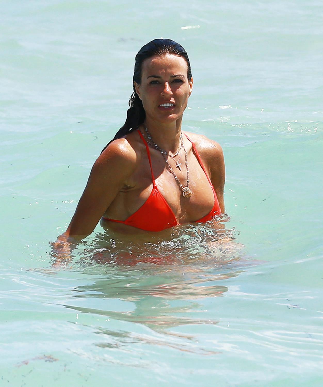 Kelly Bensimon Shows Off Bikini Body On The Beach-1
