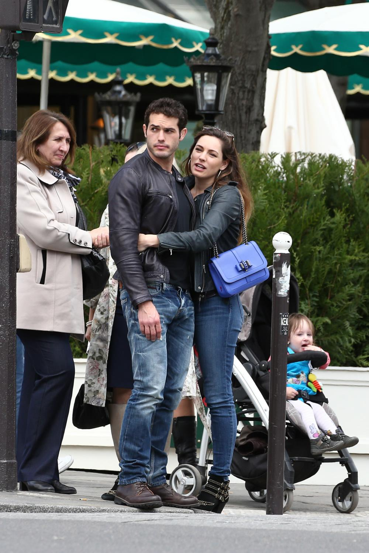 Kelly Brook and new boyfriend Jeremy Paris Stroll Date in Paris-2