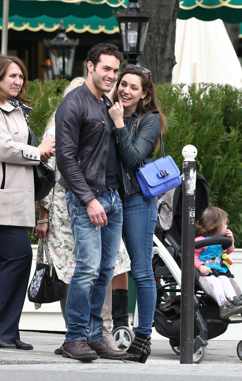 Kelly Brook and new boyfriend Jeremy Paris Stroll Date in Paris-4