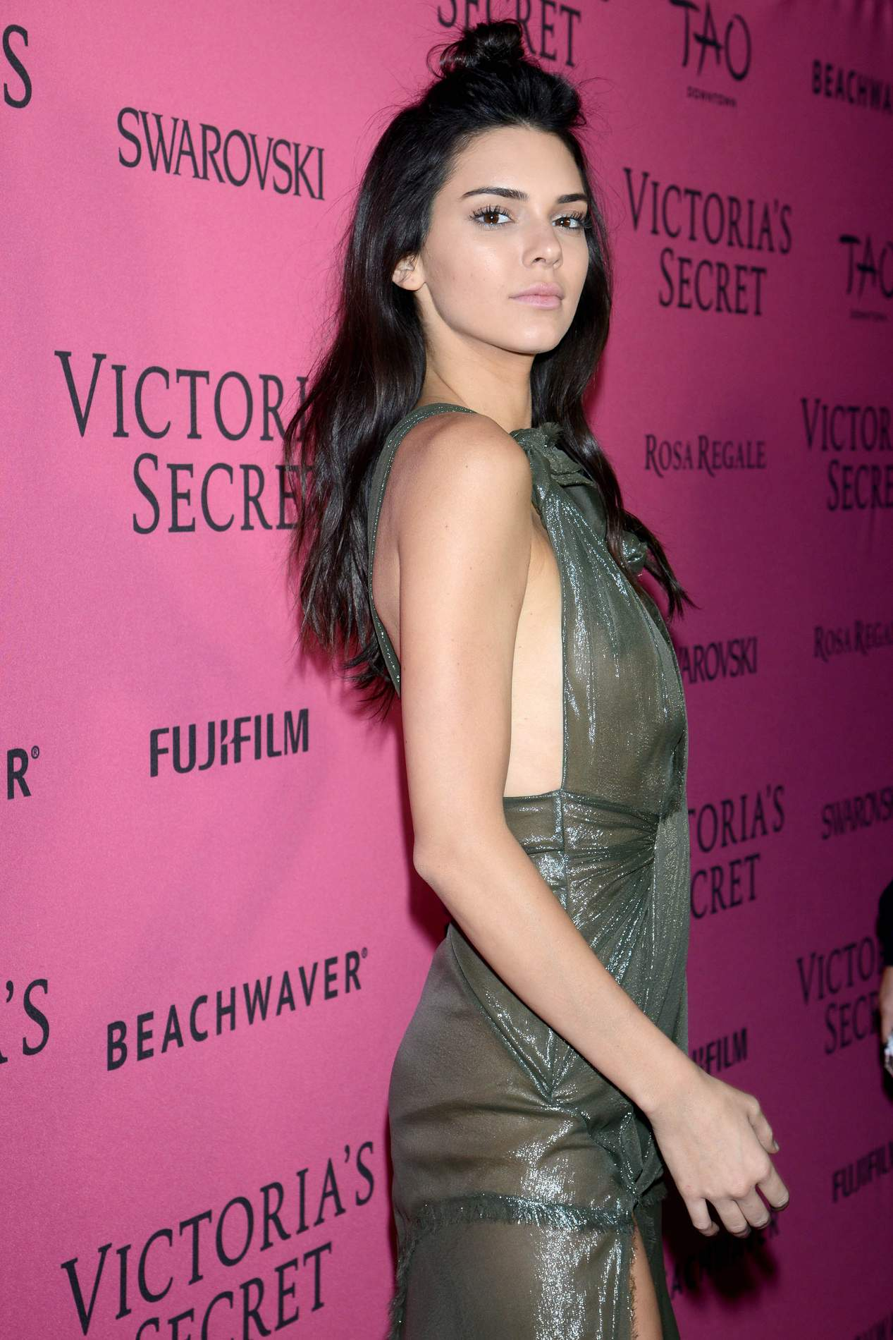Kendall Jenner arrives at Victorias Secret Fashion Show After Party-2