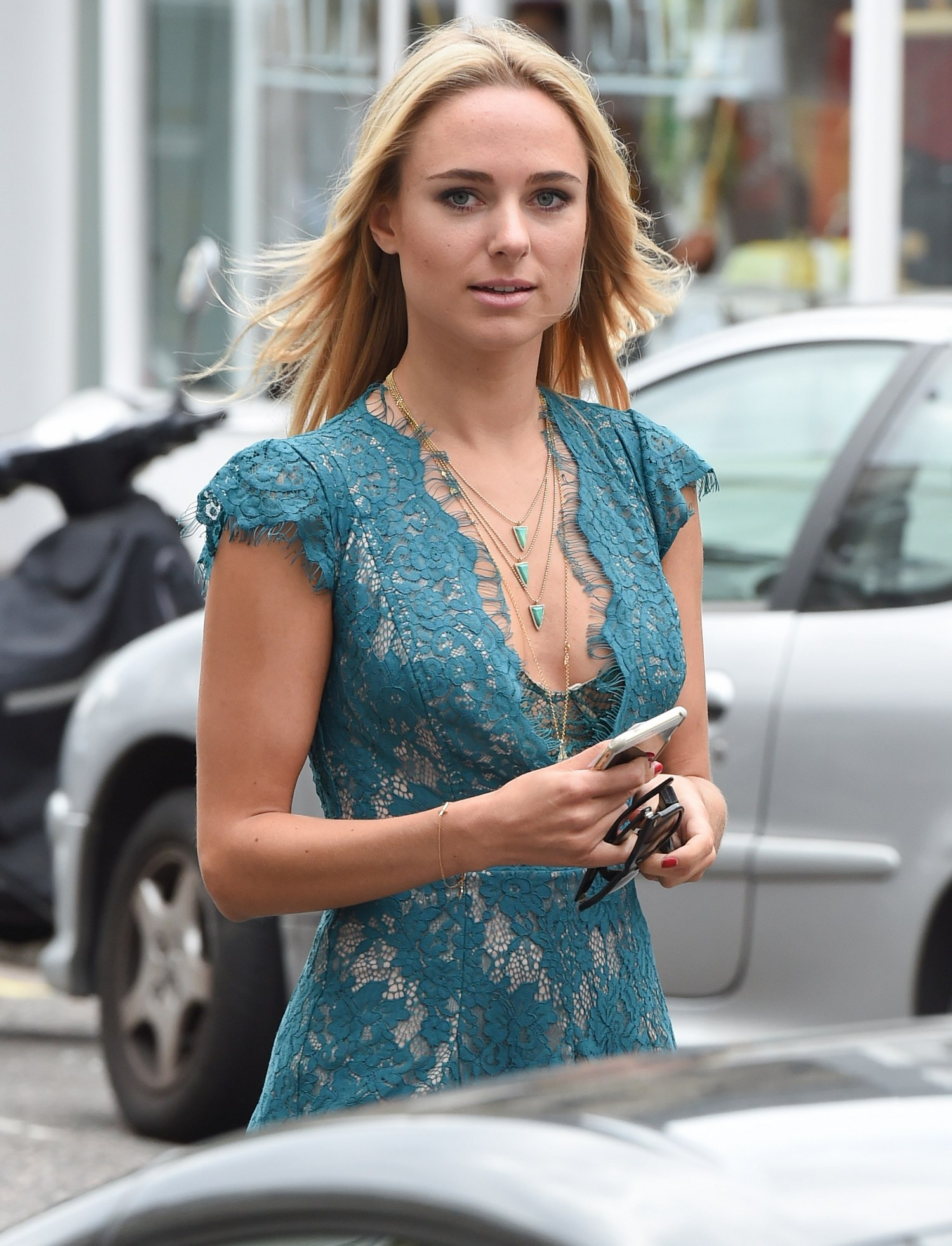 Kimberley Garner Seen in Notting Hill-1