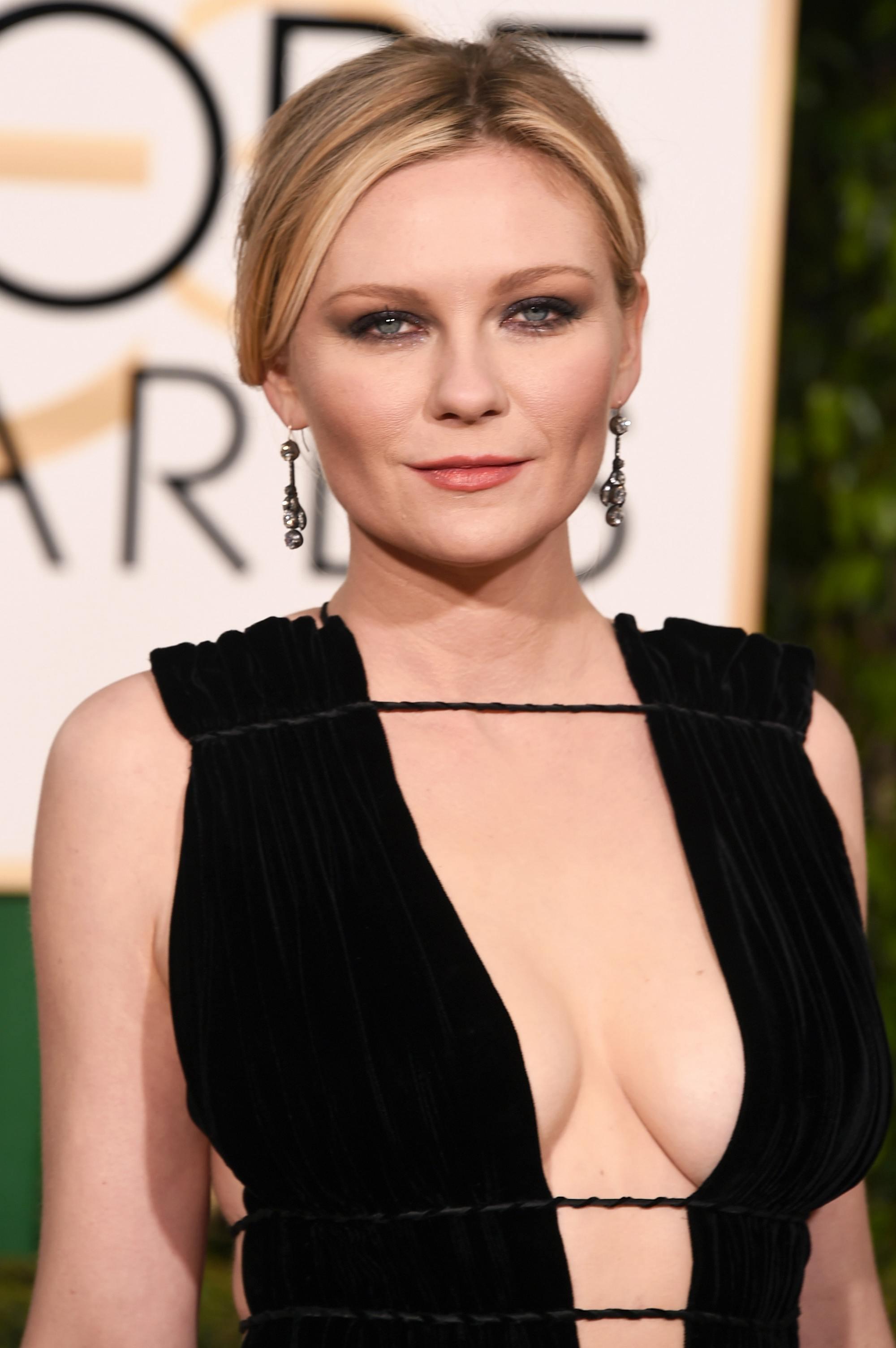 Kirsten Dunst at Annual Golden Globe Awards-1