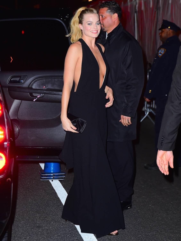 Margot Robbie arrives at Whiskey Tango Foxtrot Premiere-1