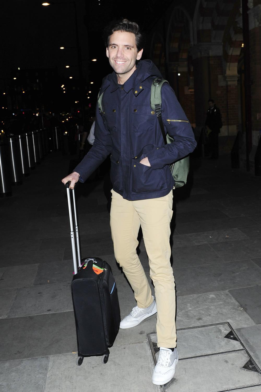 Mika Arrives at Kings Cross Pancras-3