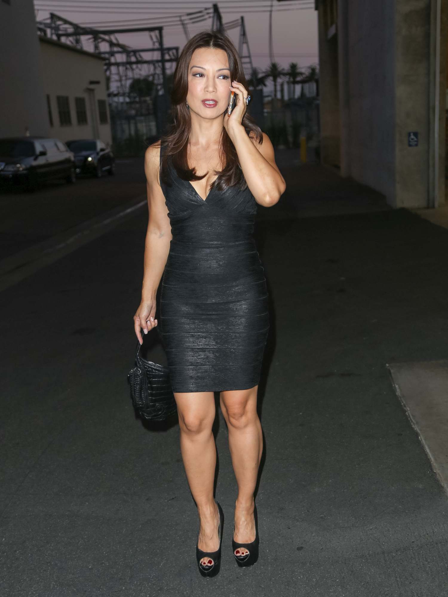 Ming-Na Wen Looks Pretty As She Walks Up To The Lot Studio-3