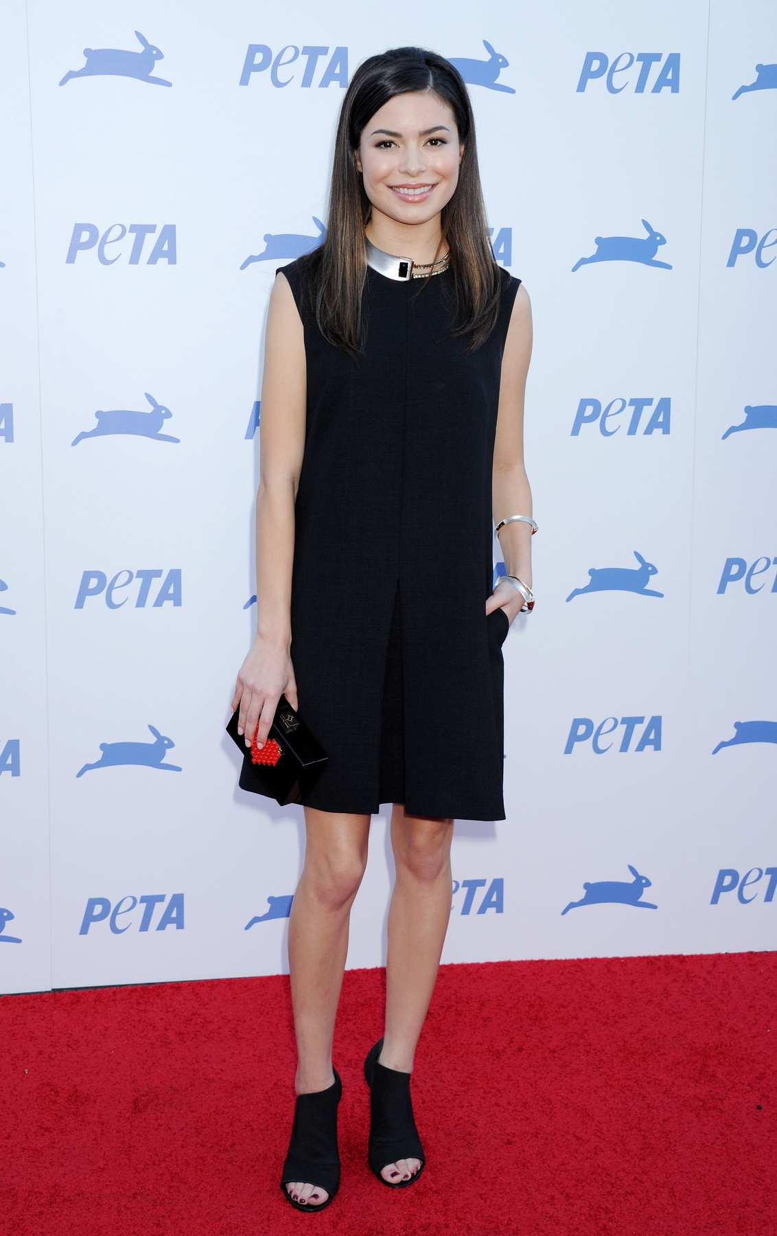 Miranda Cosgrove attends PETAs Anniversary Party-1
