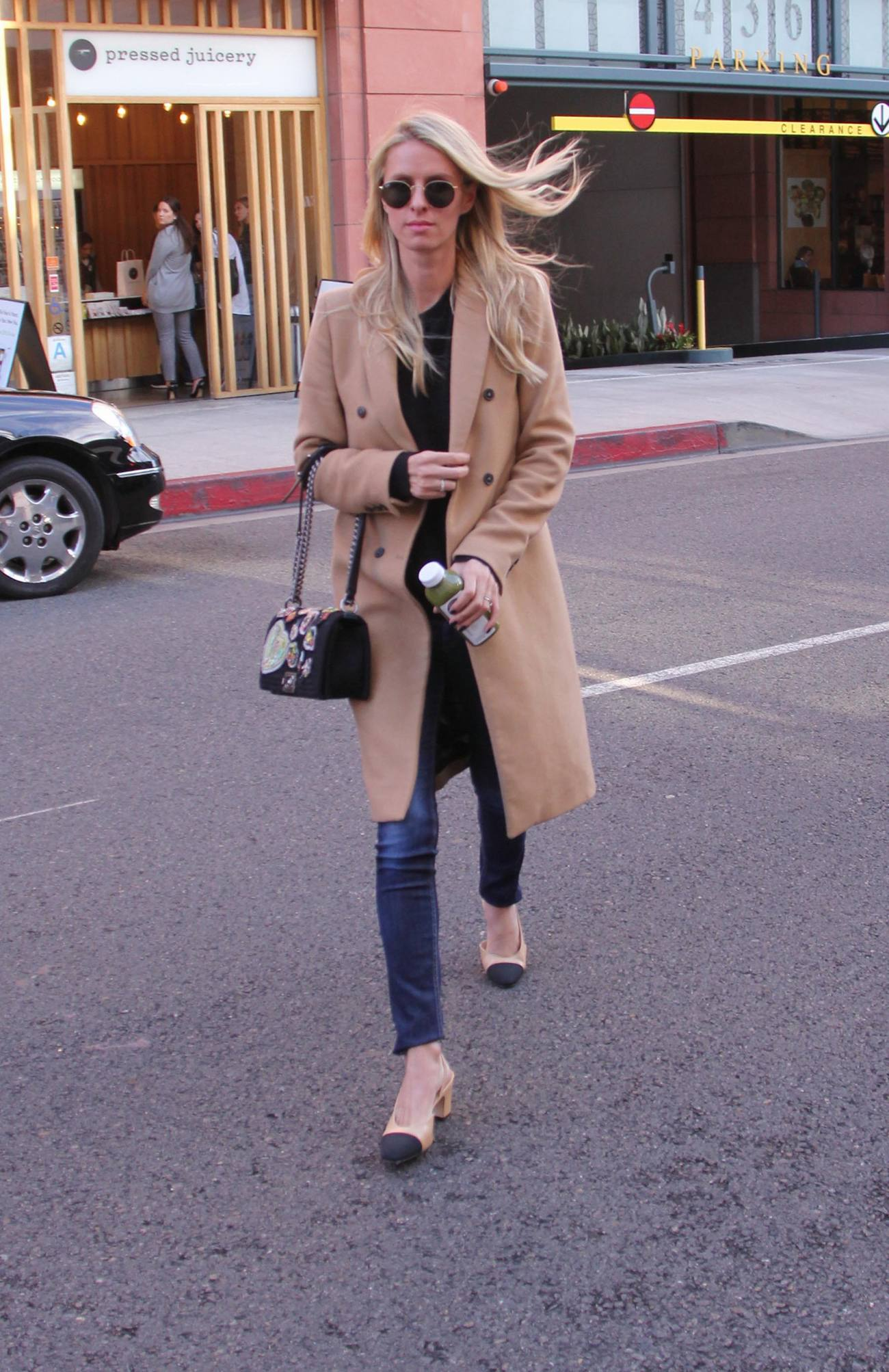 Nicky Hilton Runs Errands in Beverly Hills-1