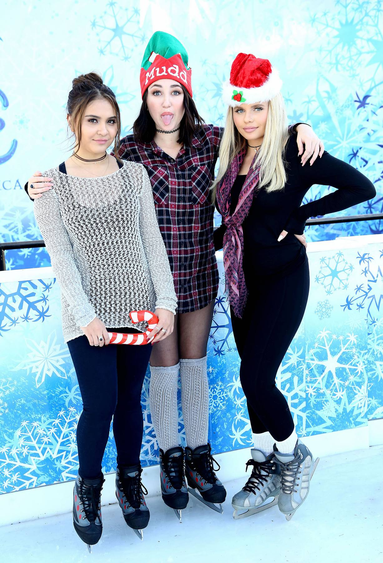 Noah Cyrus, Stella Hudgens and Alli Simpson Kick Offe Holidays with MUDD!-3