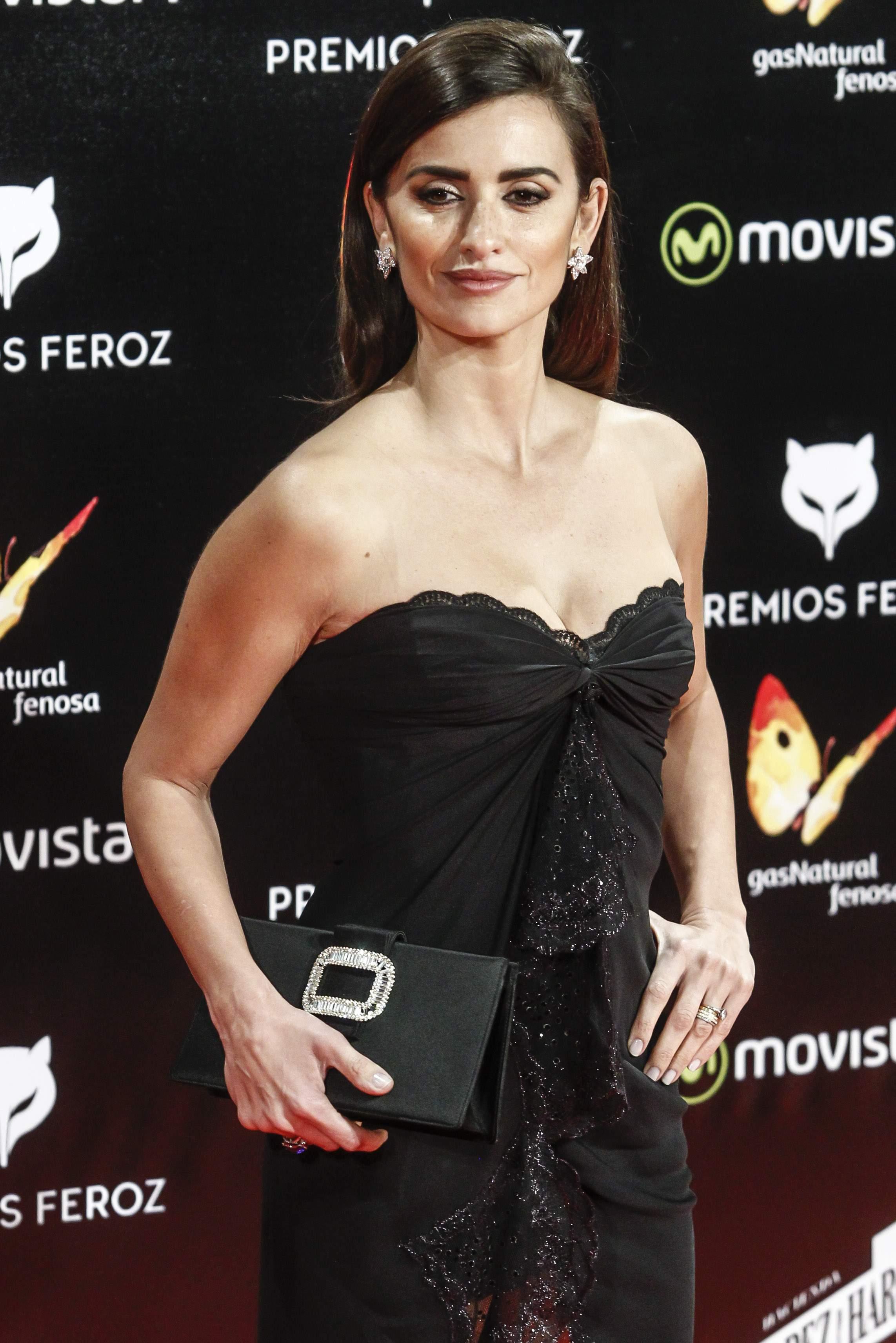 Penelope Cruz Attendse Feroz Awards-1
