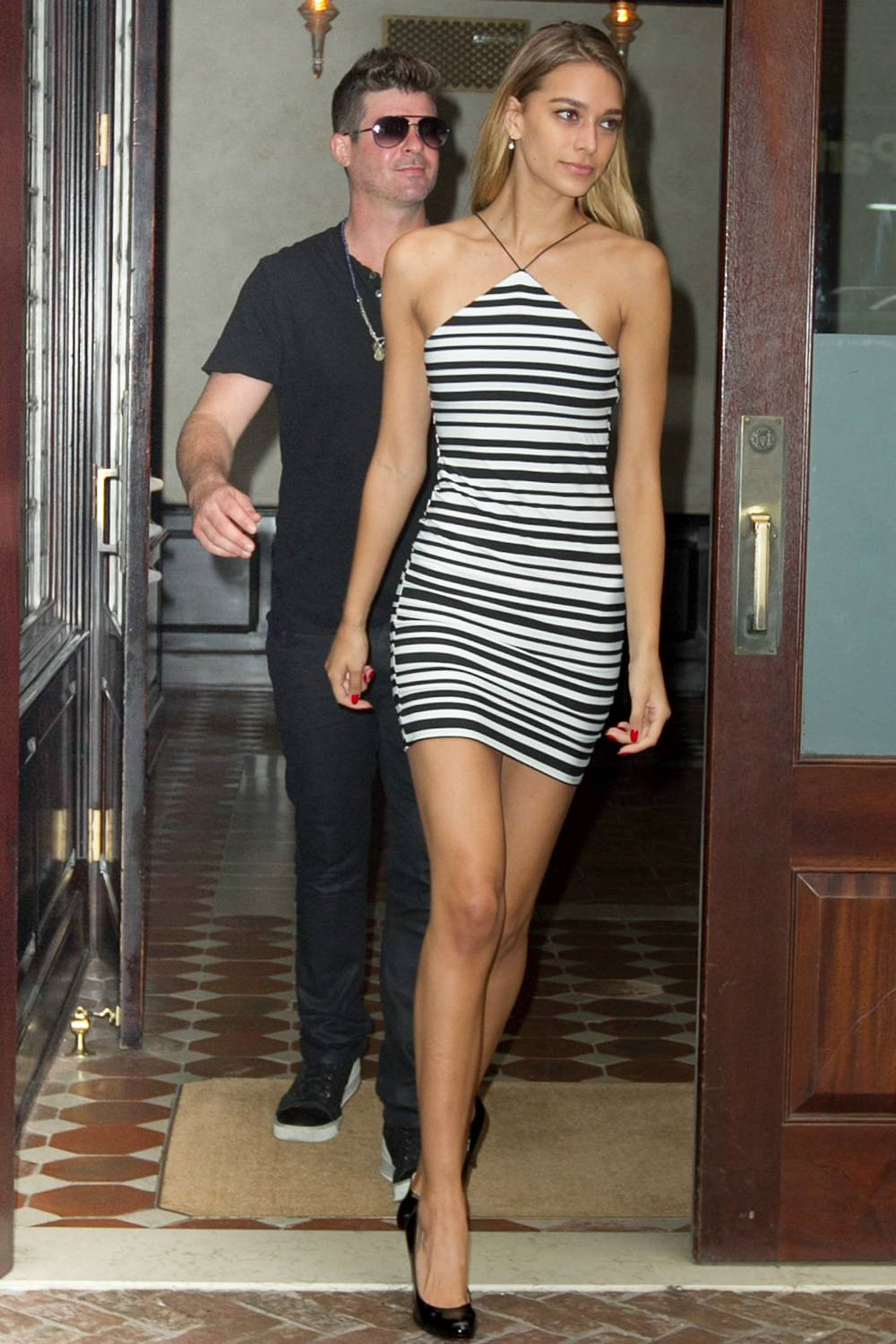 Robin Thicke Out with Girlfriend Love Geary-1
