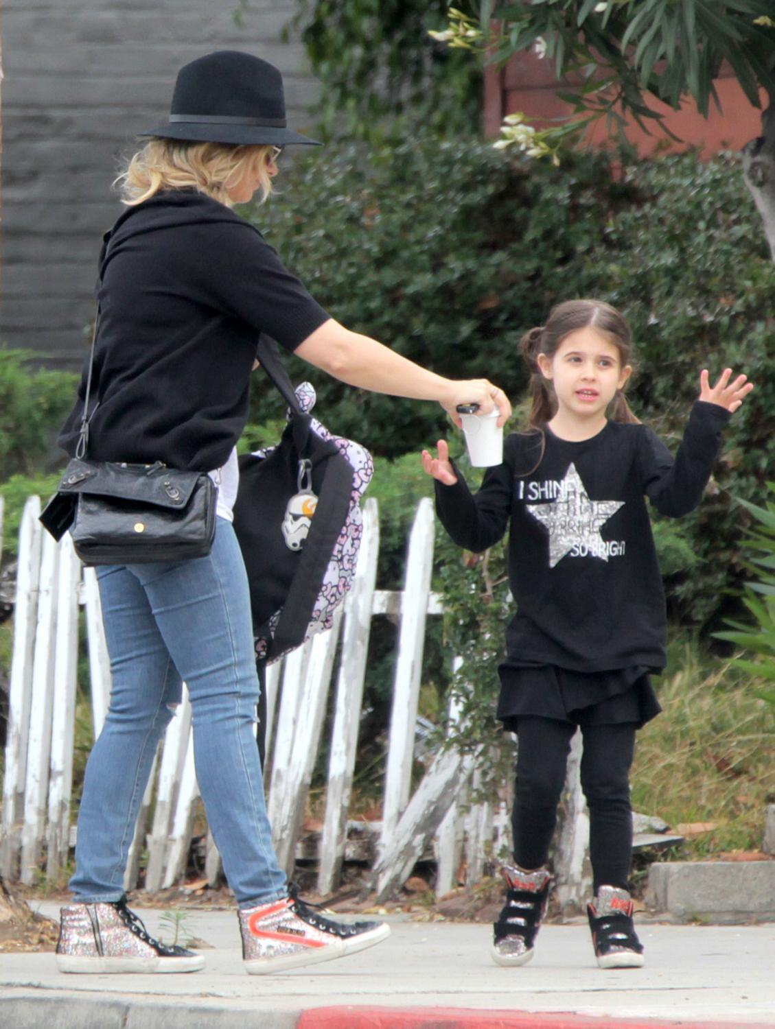 Sarah Michelle Gellar Runs Errands in Santa Monica-1