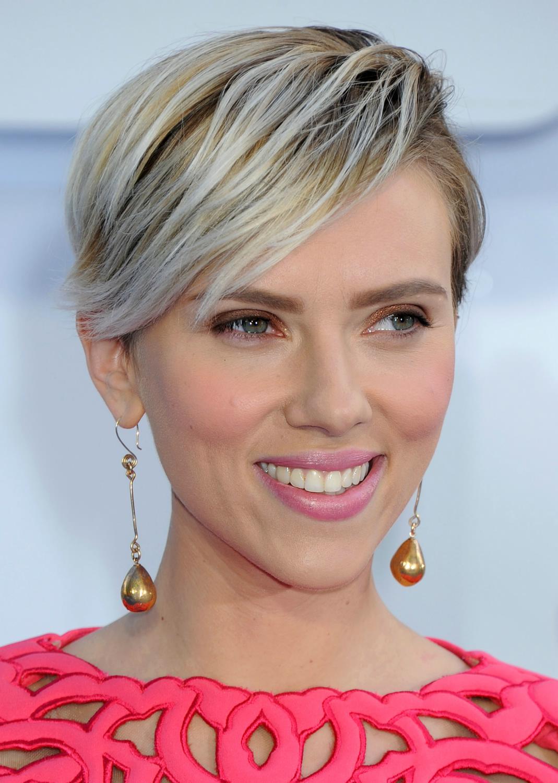 Scarlett Johansson at The MTV Movie Awards-2
