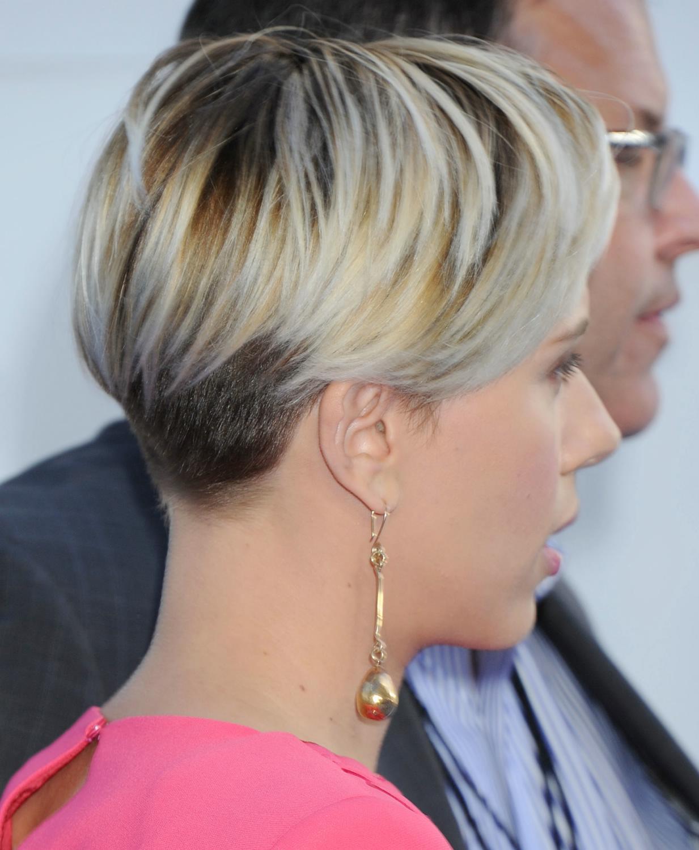Scarlett Johansson at The MTV Movie Awards-4