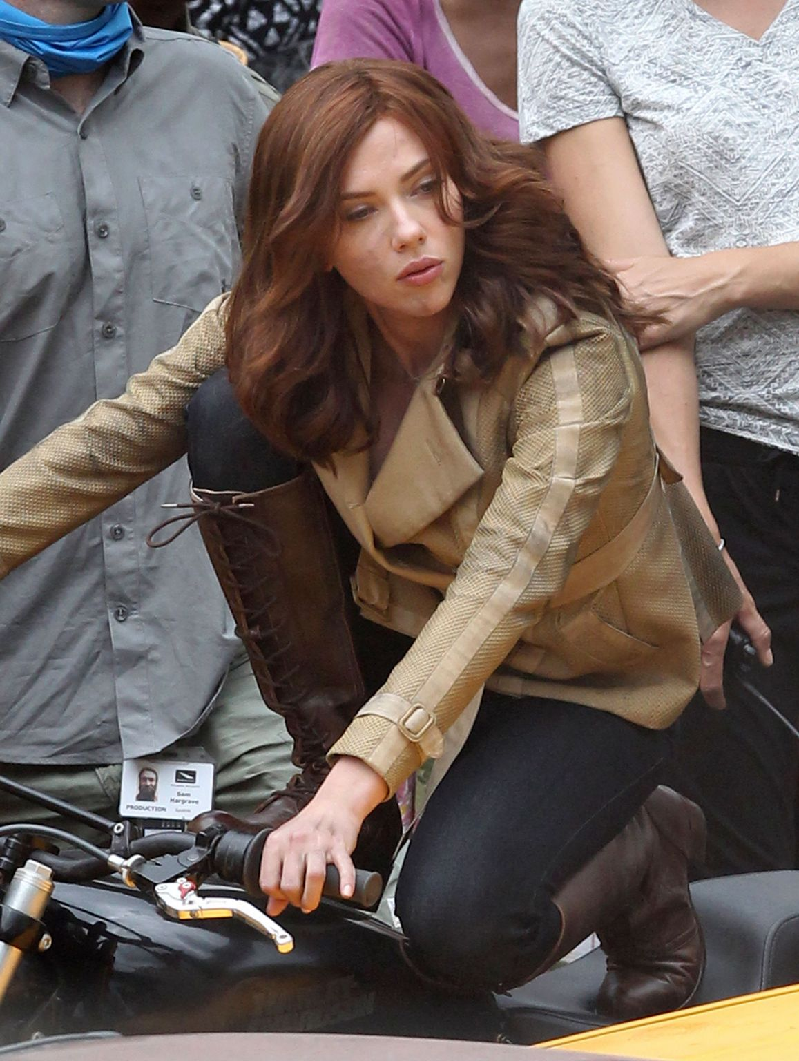 Scarlett Johansson Films Captain America: Civil War-4