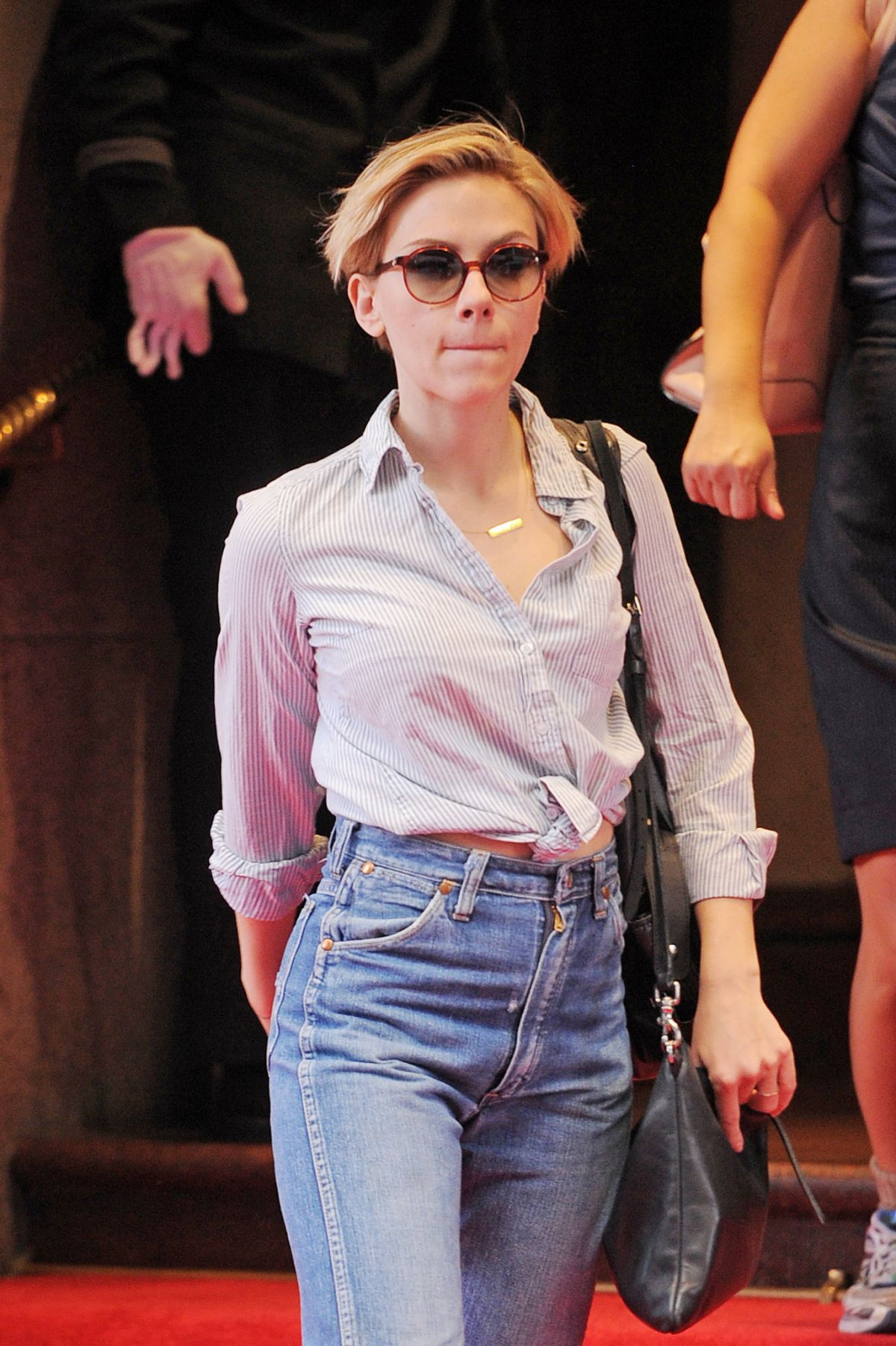 Scarlett Johnasson Leaving Hotel in NYC-1