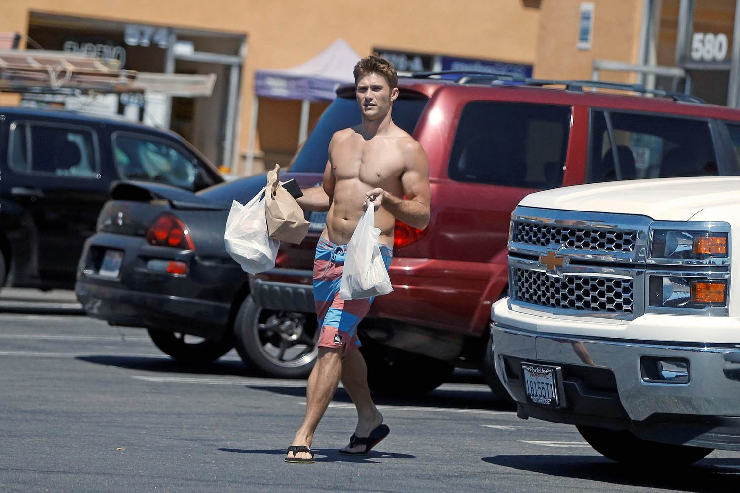 Scott Eastwood Goes Shirthess Going Fishing In Oceanside