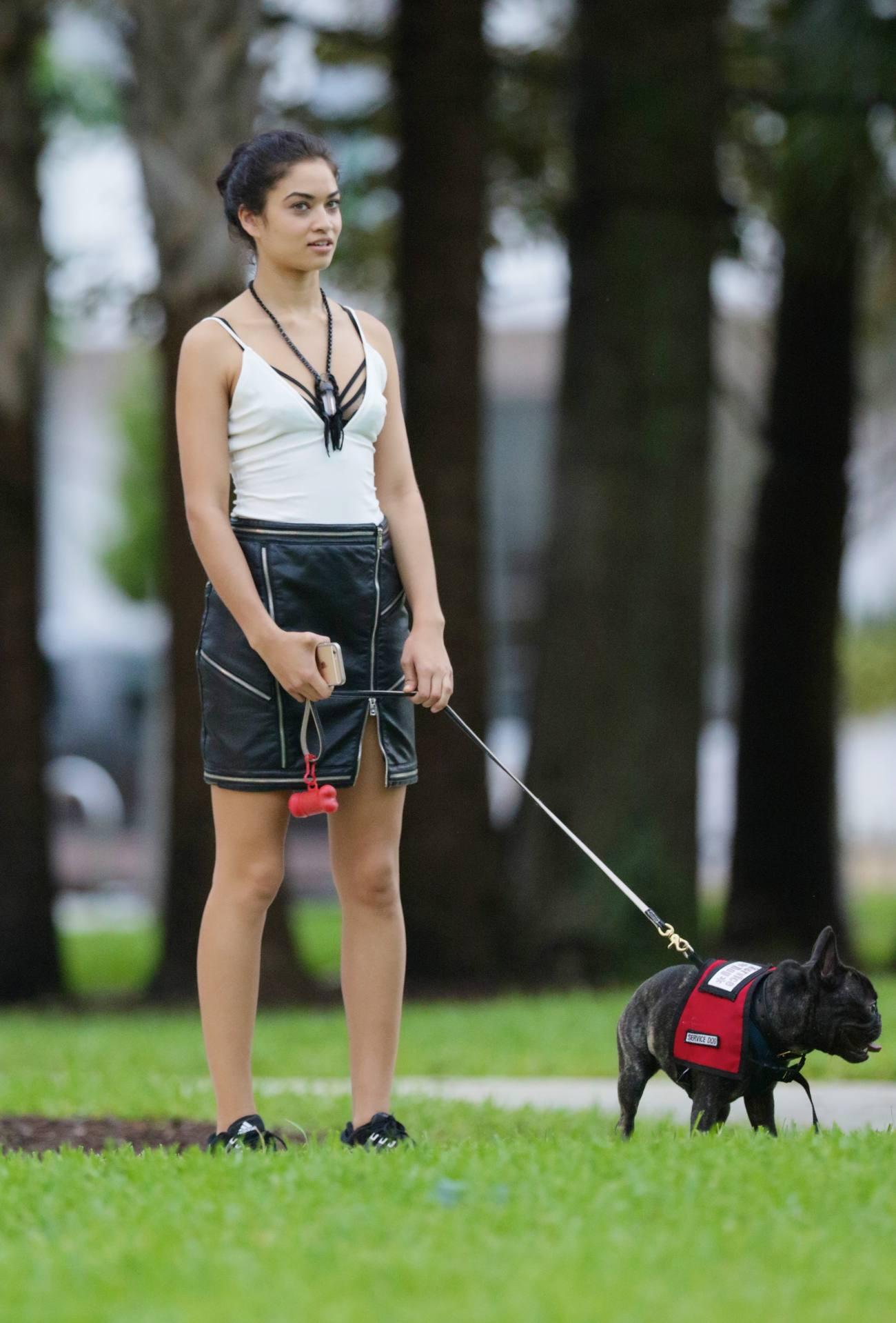 Shanina Shaik Takes Her French Bulldog To Park-3