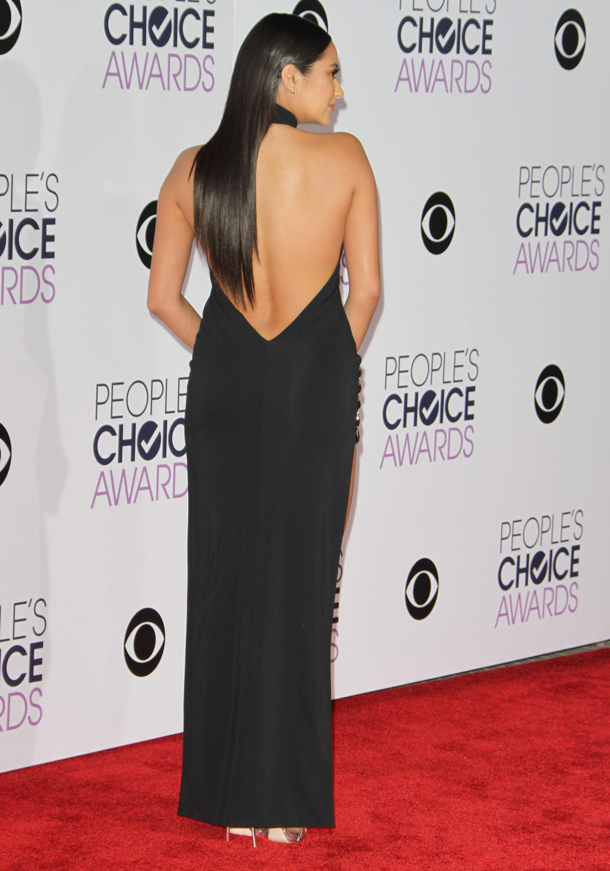 Shay Mitchell at Peoples Choice Awards on-1