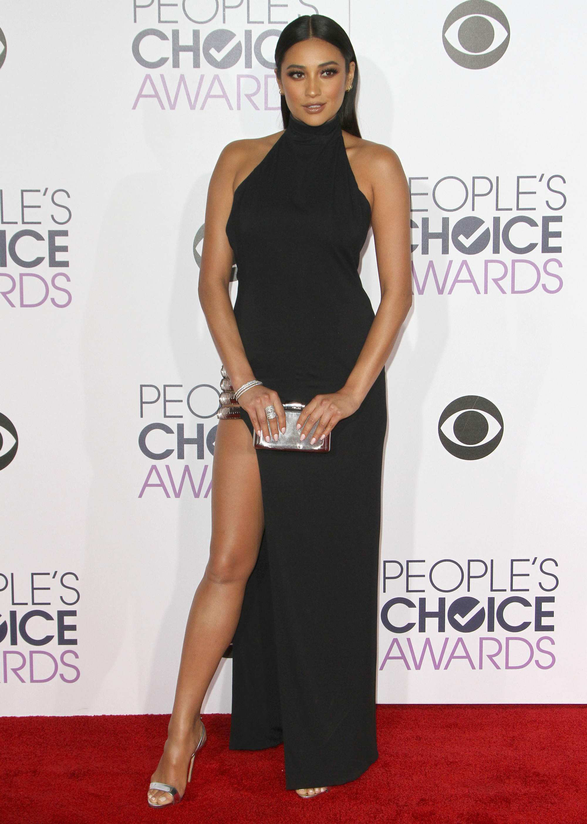 Shay Mitchell at Peoples Choice Awards on-2