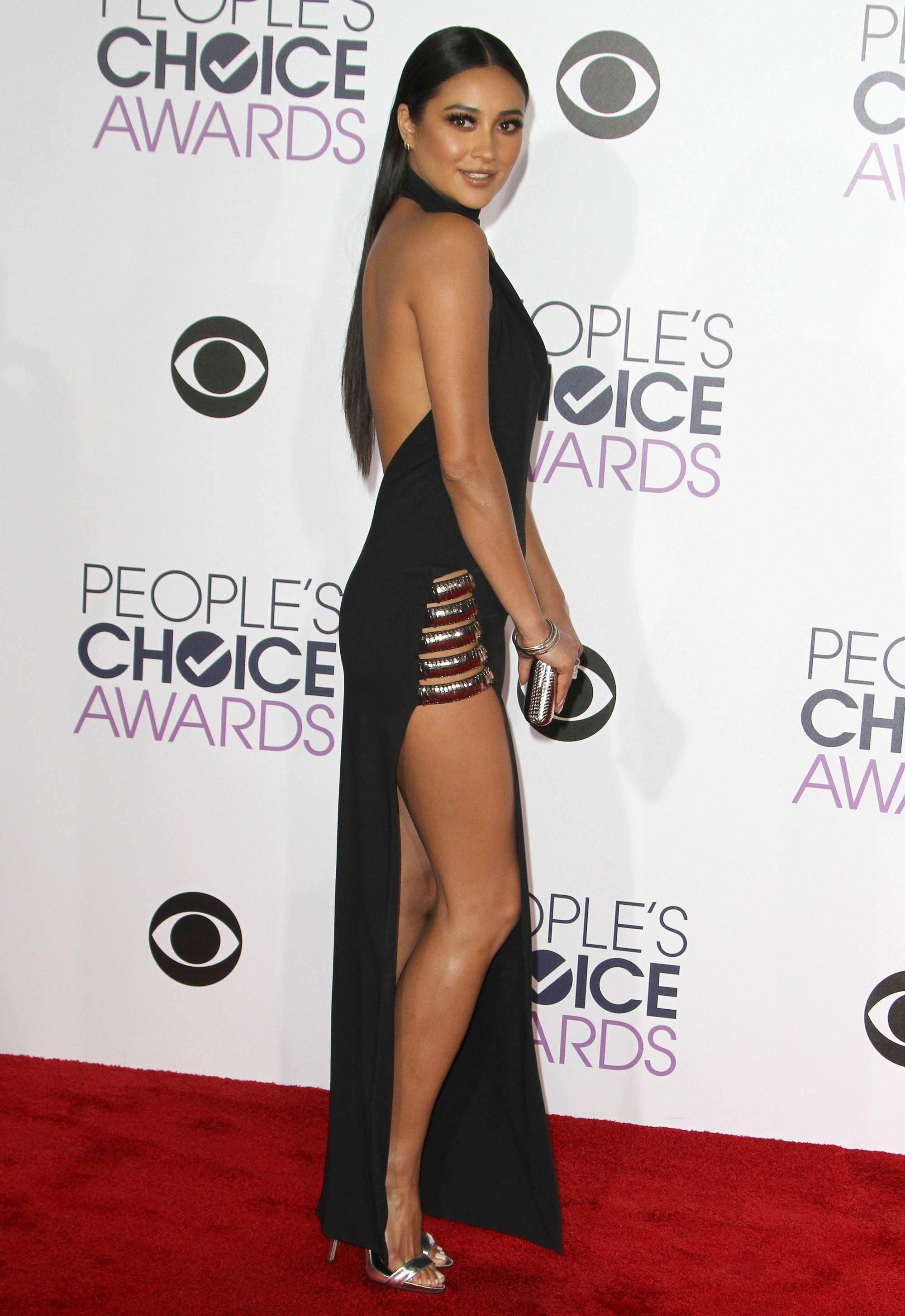 Shay Mitchell at Peoples Choice Awards on-3