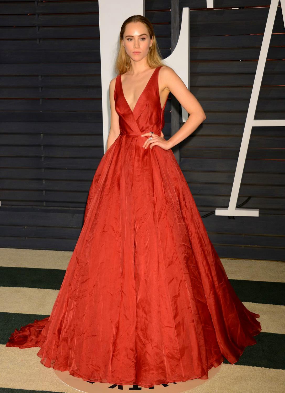 Suki Waterhouse attends Vanity Fair Oscar Party-3