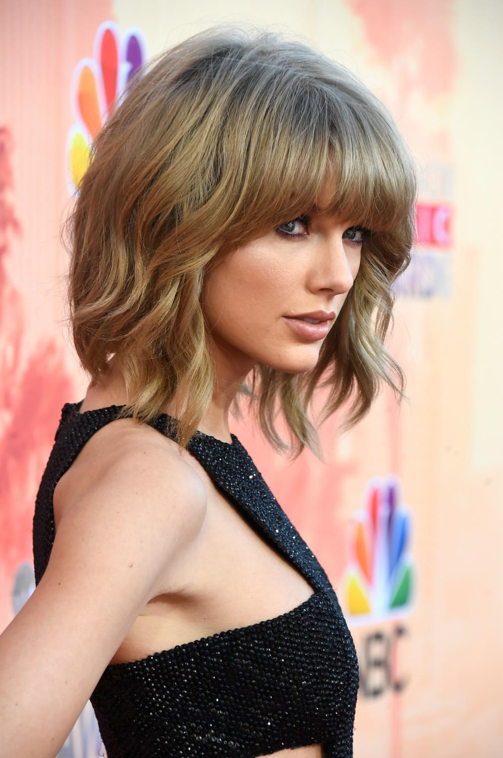 Taylor Swift attendse iHeartRadio Music Awards-1