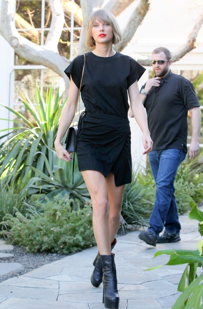 Taylor Swift Shops in West Hollywood-1