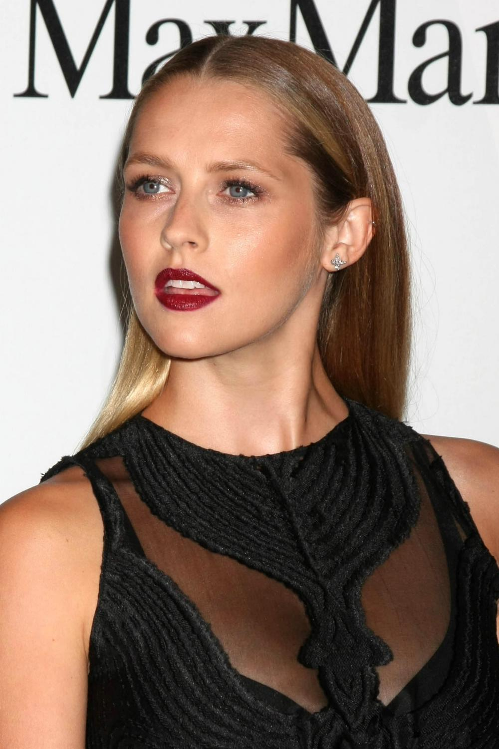Teresa Palmer ate Women In Film Crystal Lucy Awards-1