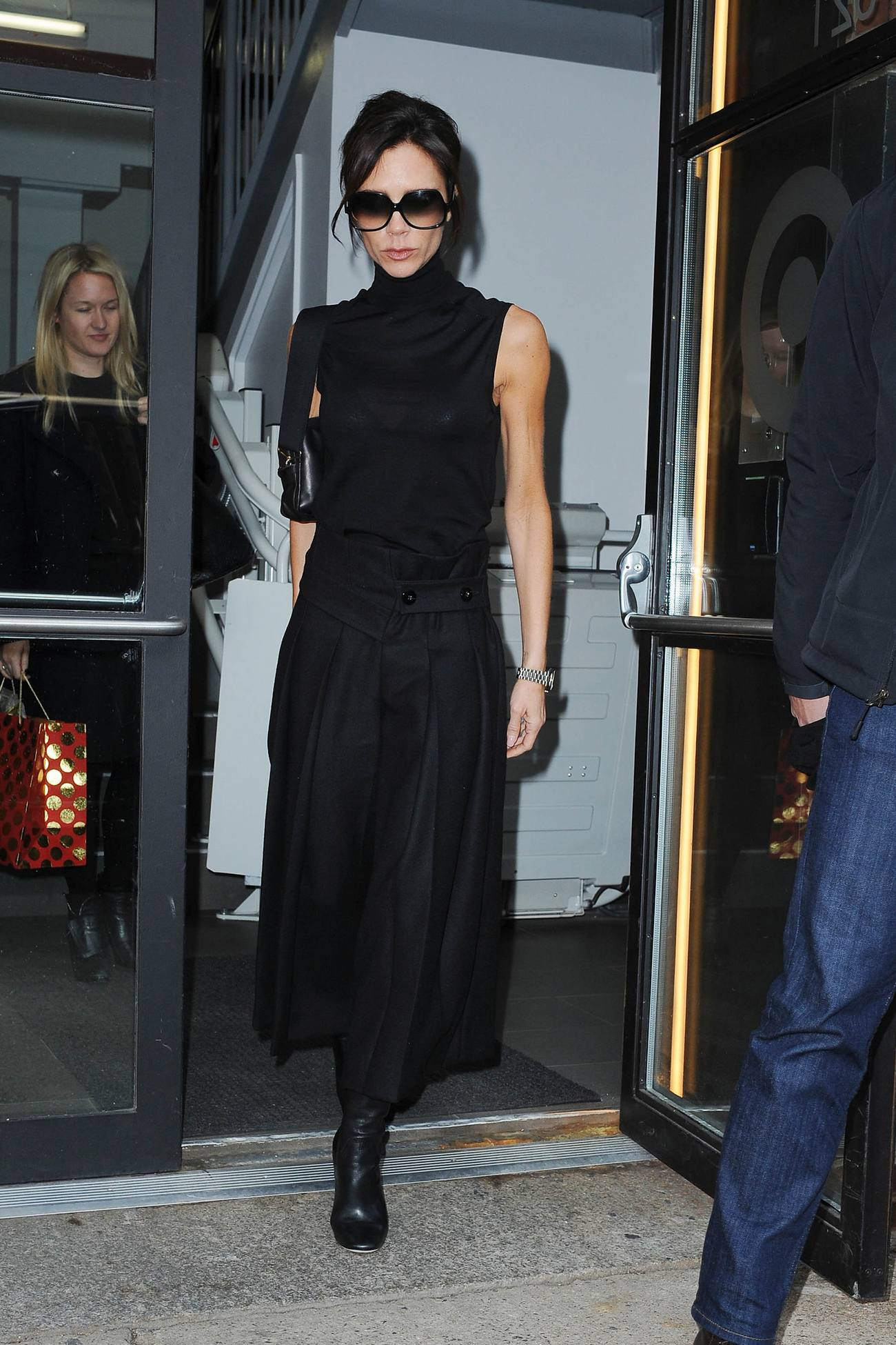 Victoria Beckham spotted in Chelsea-2