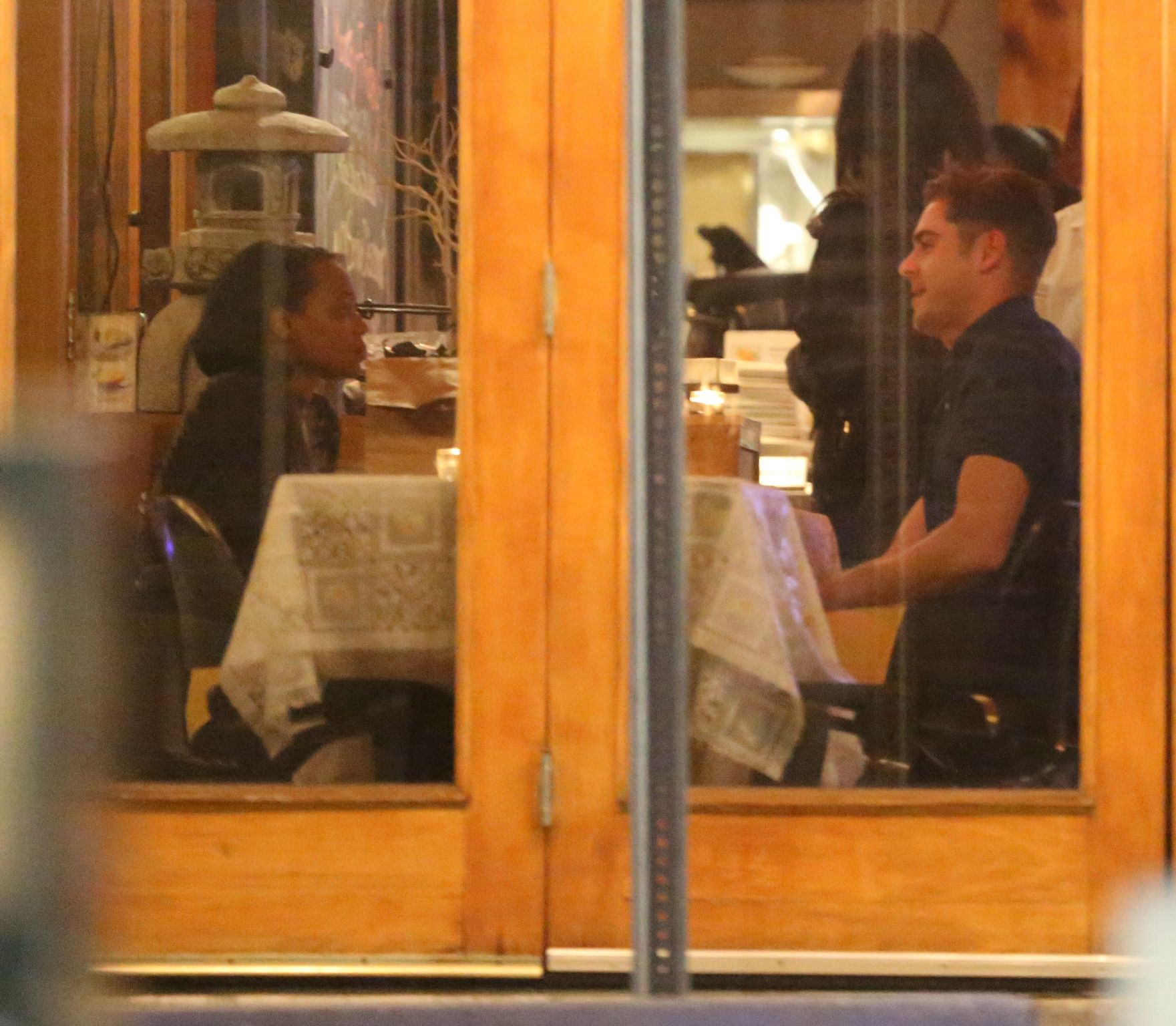 Zac Efron in Los Feliz-4