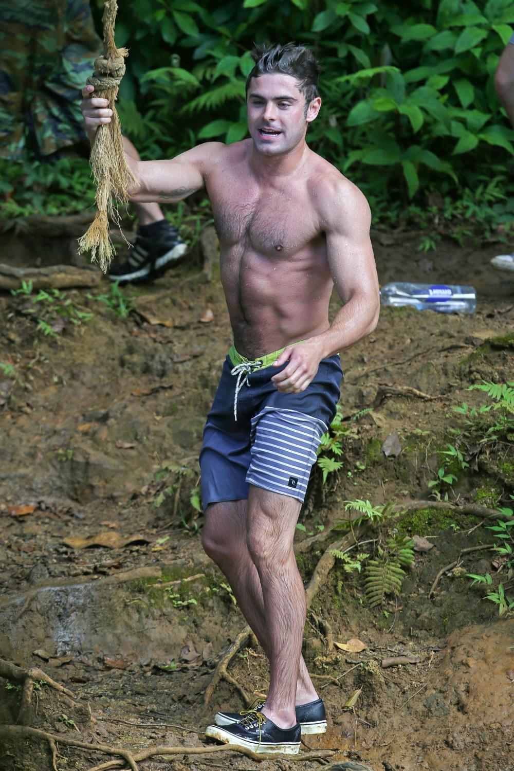 Zac Efron Shows Off His Ripped Body As He Films Mike and Dave Need Wedding Dates-1
